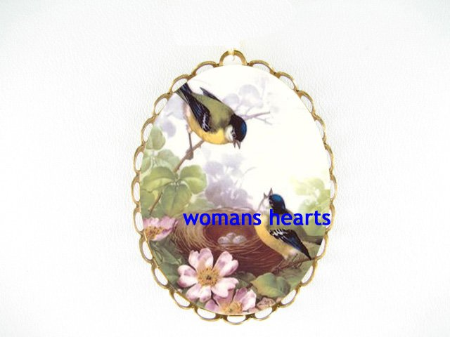 2 ROBIN BIRD FAMILY EGG NEST DOGWOOD PORCELAIN CAMEO PIN PENDANT