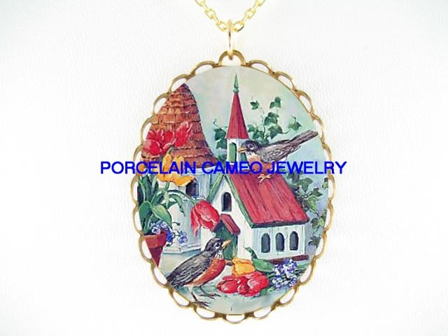 ROBIN BIRD BIRDHOUSE CAMEO PORCELAIN PENDANT NECKLACE