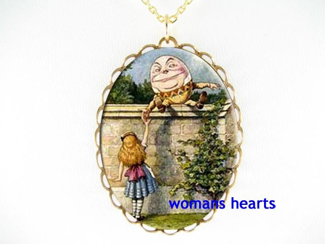 HUMPTY DUMPTY ALICE WONDERLAND PORCELAIN CAMEO NECKLACE