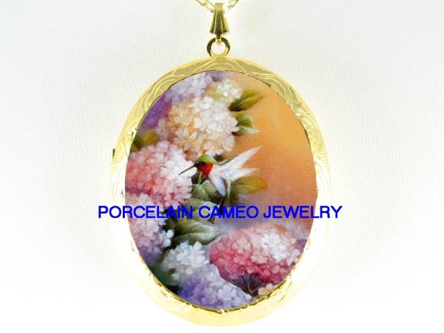 HUMMINGBIRD W/ HYDRANGEA   *  CAMEO PORCELAIN LOCKET NECKLACE