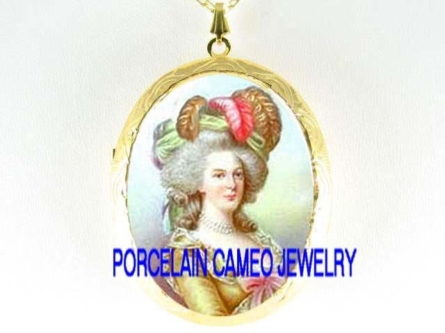 FRENCH QUEEN GOLDEN Marie Antoinette *  CAMEO PORCELAIN LOCKET NECKLACE