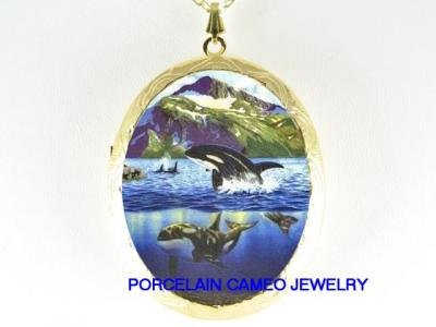 2 ORCA KILLER WHALE FAMILY JUMP MOUNTAIN CAMEO PORCELAIN LOCKET NECKLACE