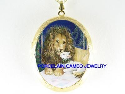 LION KISSING LAMB PORCELAIN CAMEO LOCKET NECKLACE