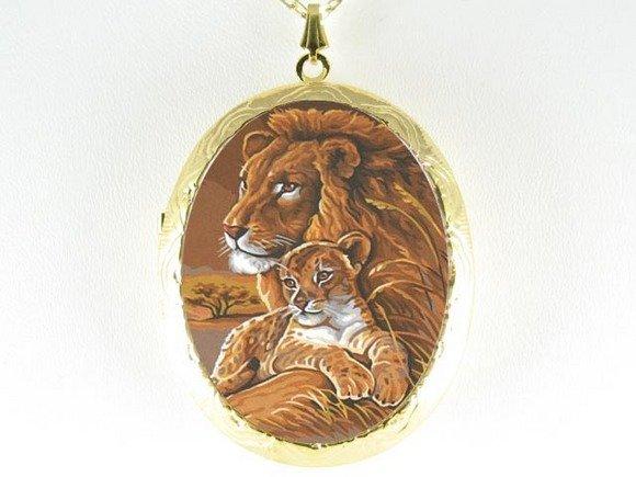 LION MOM BABY CUDDLE PORCELAIN CAMEO LOCKET NECKLACE