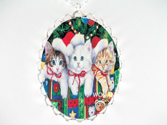KITTEN CAT SANTA HAT CHRISTMAS PORCELAIN CAMEO NECKLACE
