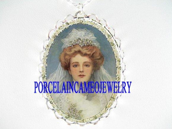 VINTAGE BRIDE ROSE FLORAL PORCELAIN CAMEO NECKLACE