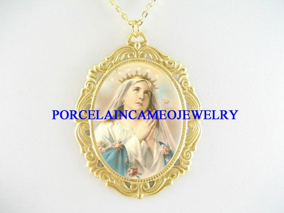 CATHOLIC CROWN VIRGIN MARY ROSEPORCELAIN CAMEO NECKLACE