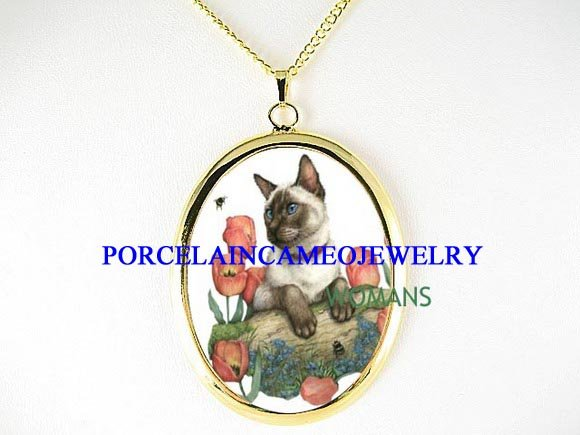 SIAMESE CAT WITH BEE TULIPS CAMEO PORCELAIN NECKLACE