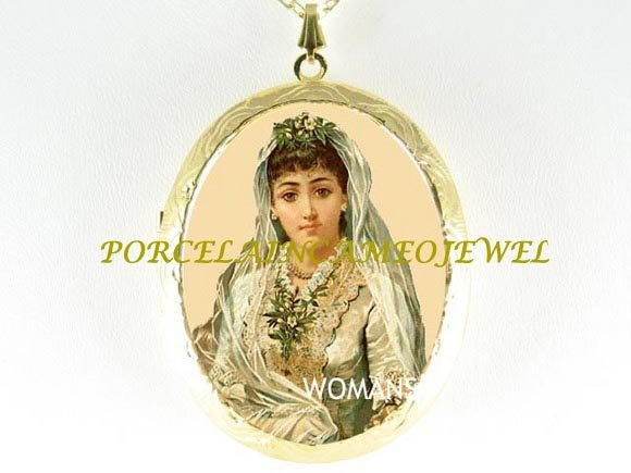 VINTAGE BRIDE WITH LILY PORCELAIN CAMEO LOCKET NECKLACE