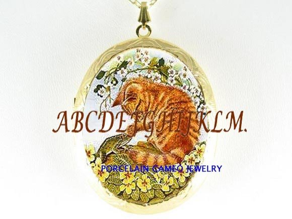 YELLOW KITTY CAT FROG PORCELAIN CAMEO LOCKET NECKLACE