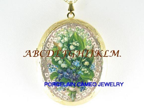 VICTORIAN LILY OF THE VALLEY FORGET ME NOT PORCELAIN CAMEO LOCKET