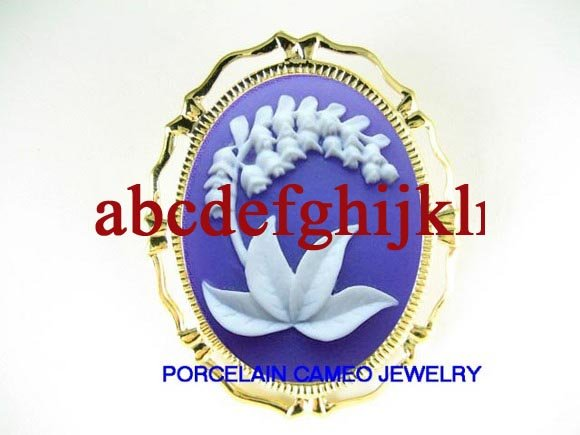 PURPLE WHITE  LILY OF THE VALLEY 3D VINTAGE CAMOE PIN BROOCH