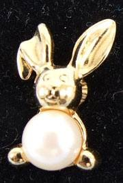Pearly Bunny Clip Earrings by Avon from the 1990s clip-on