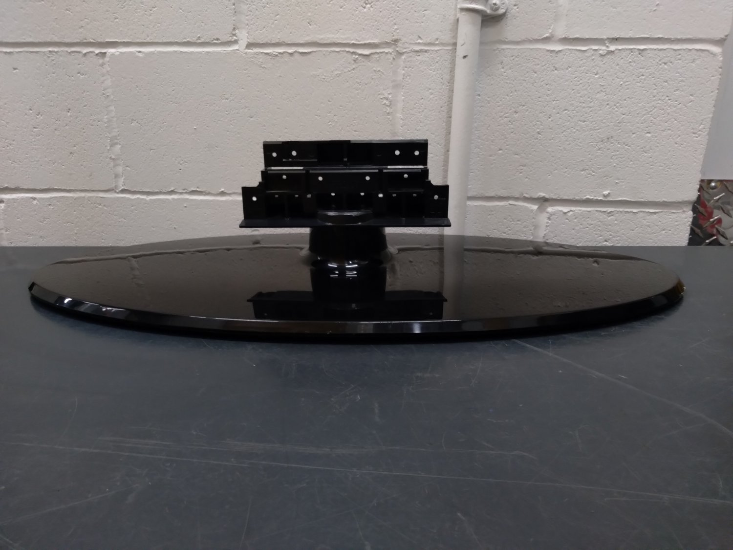 Base Leg Angle Stand from SAMSUNG LNT4661FX/XAA LCD TV