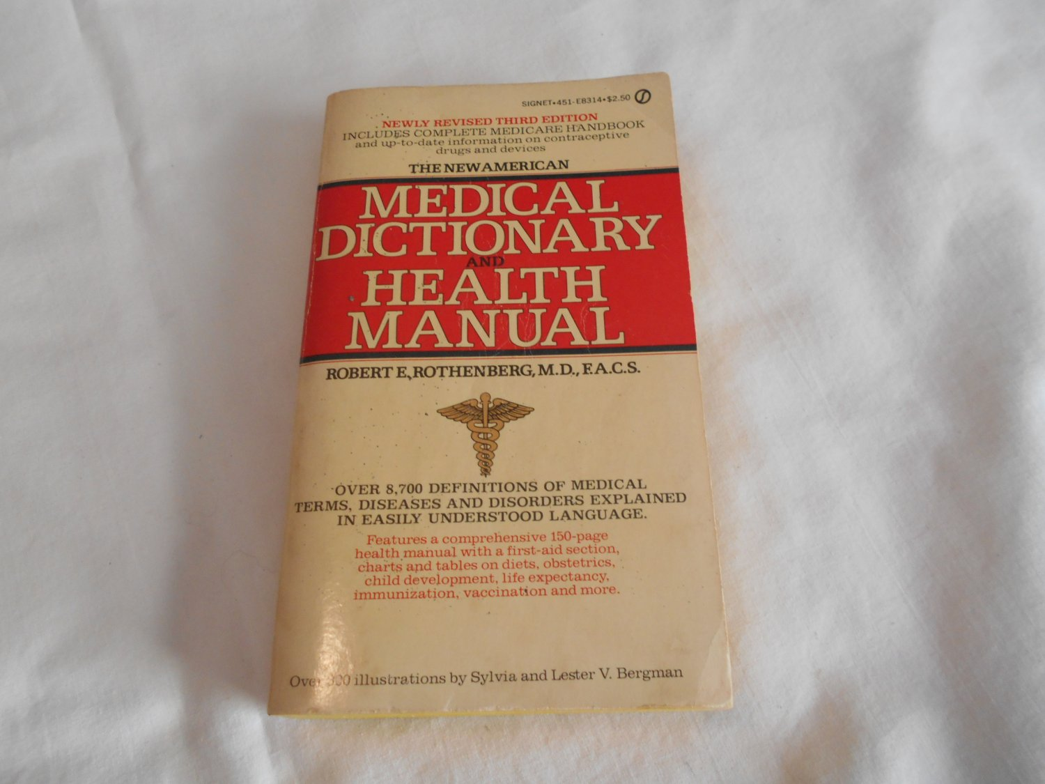 Medical Dictionary and Health Manual, The New American by Robert E. Rothenberg (1975) (B38)