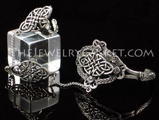 Oval Celtic Knot Slave Bangle ~ Bracelet w/ Ring
