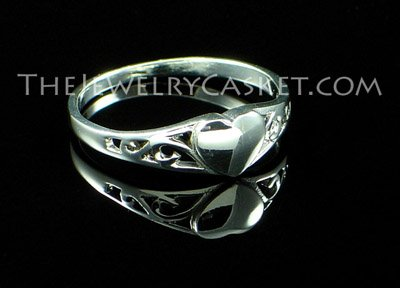 Sweetheart Silver Ring  ~ Sizes 2 - 8