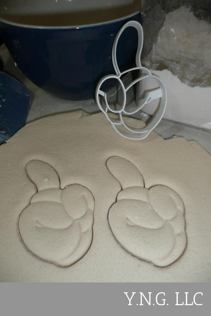 MICKEY MOUSE HAND GLOVE NUMBER 1 ONE FIRST BIRTHDAY COOKIE CUTTER USA PR2876