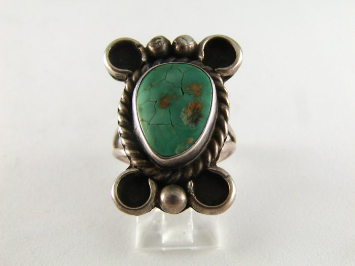 VINTAGE NAVAJO STERLING SILVER TURQUOISE RING SIZE 7`