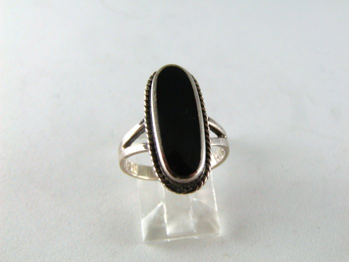 NATIVE AMERICAN STERLING SILVER BLACK ONYX RING SZ 6