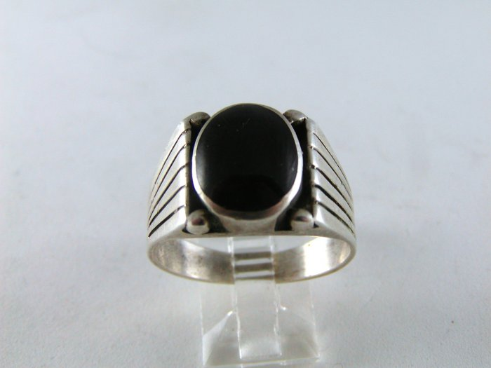 NATIVE AMERICAN STERLING SILVER BLACK ONYX RING SZ 11 1/2