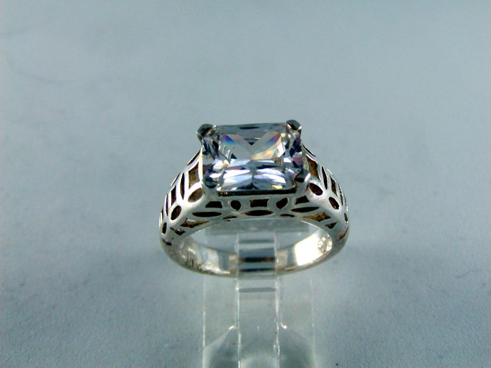 VINTAGE STYLE LARGE STERLING SILVER CZ RING SZ 7 1/4