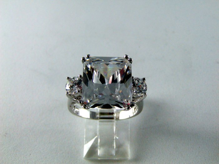 MAJOR MAJOR BLING STERLING SILVER HUGE CZ RING SZ 8 1/4