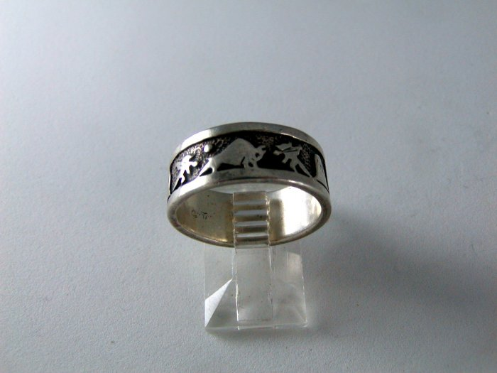 VINTAGE NATIVE AMERICAN STERLING SILVER ENGAGEMENT RING BUFFALO HUNTERS SZ 8