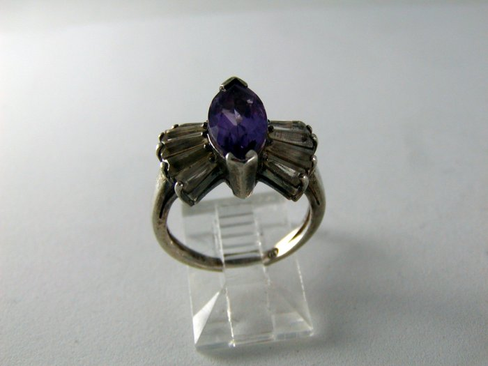 VINTAGE STYLE STERLING SILVER AMYTHEST COCKTAIL RING SZ 6
