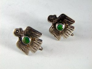 VINTAGE NATIVE AMERICAN STERLING SILVER TURQUOISE EAGLE SCREW BACK EARRINGS