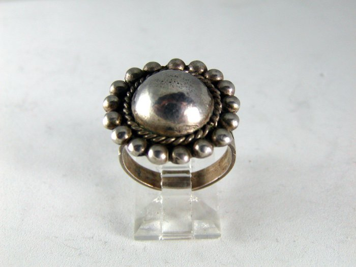 VINTAGE NATIVE AMERICAN STERLING SILVER BALL RING SZ 6