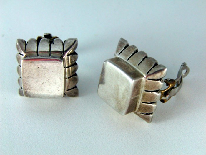 VINTAGE MEXICAN MEXICO TAXCO STERLING SILVER CLIP ON EARRINGS