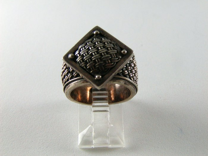 GOTHIC RENAISSANCE STYLE STERLING SILVER RING SIZE 7