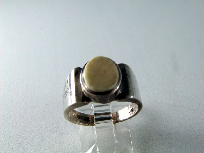 VINTAGE STERLING SILVER IVORY RING SIZE 7