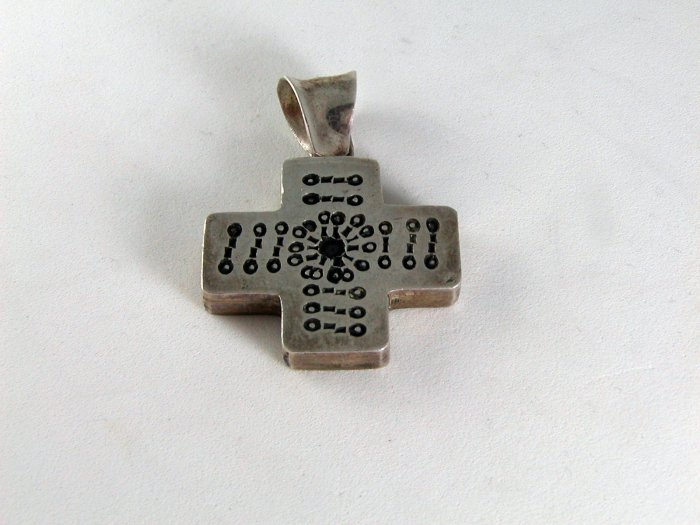 VINTAGE TAXCO MEXICO MEXICAN STERLING SILVER CROSS UNUSUAL