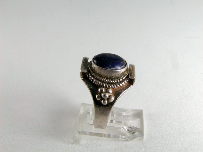 VINTAGE TRIBAL STERLING SILVER LAPIS RING SIZE 8
