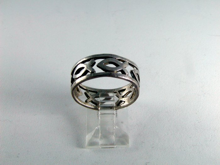 VINTAGE CHRISTIAN FISH STERLING SILVER RING SIZE 9