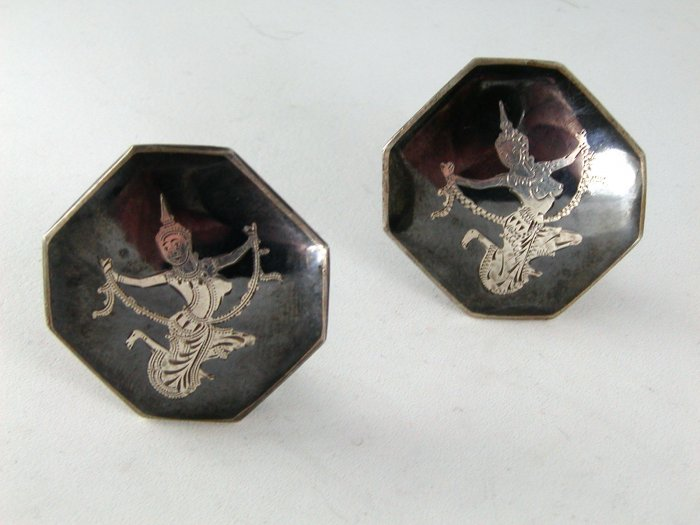 VINTAGE STERLING SILVER NIELLO SIAM CLIP ON EARRINGS