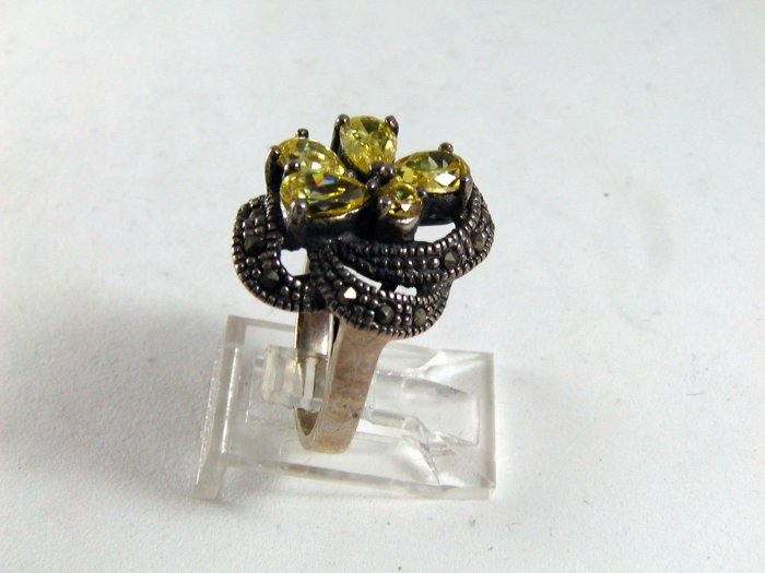 VINTAGE STERLING SILVER MARCASITES CITRINE CZs RING SIZE 6 1/2