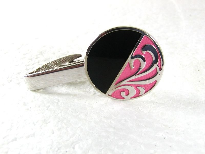 1950's - 70's Black & Pink Tie Clasp Unbranded 31916