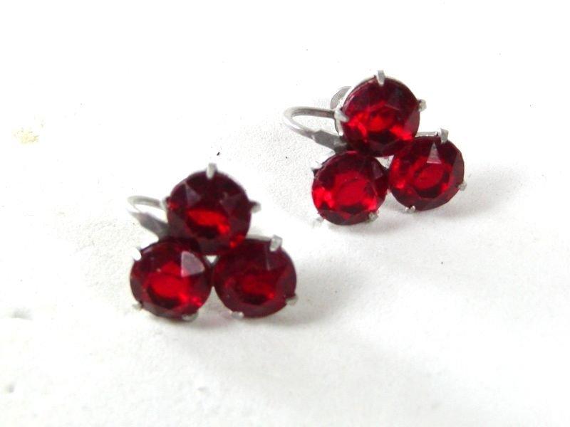 Vintage Silver Tone Red Rhinestone Clip On Earrings 62416