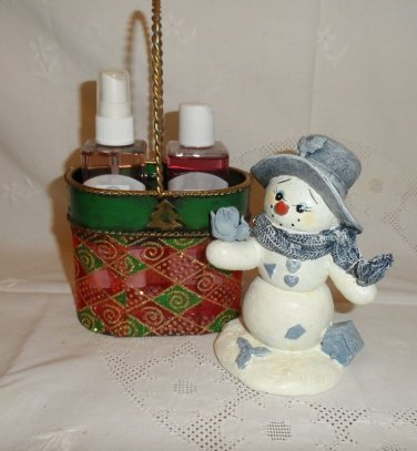 Body Cream and Spray Christmas Basket Set