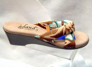 Island Slipper Women's T381 Sandal - TROPICAL BROWN FABRIC