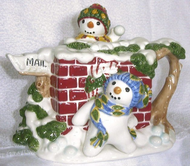 Fitz and Floyd THE FLURRIES SNOWMAN TEAPOT