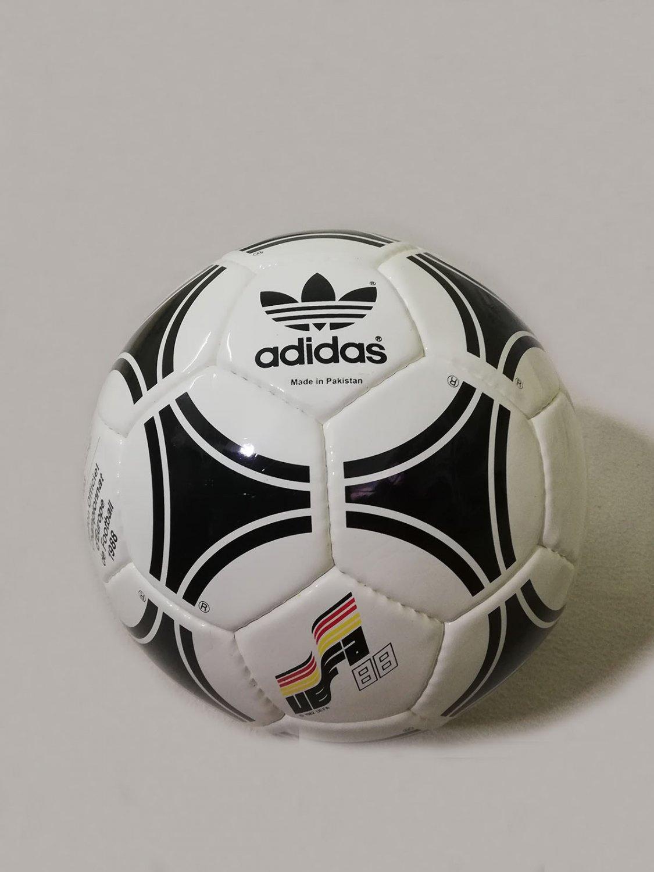 ADIDAS TANGO EUROPA | OFFICIAL MATCH BALL | EUROPEAN CHAMPIOSHIP 88 | BALLON .5