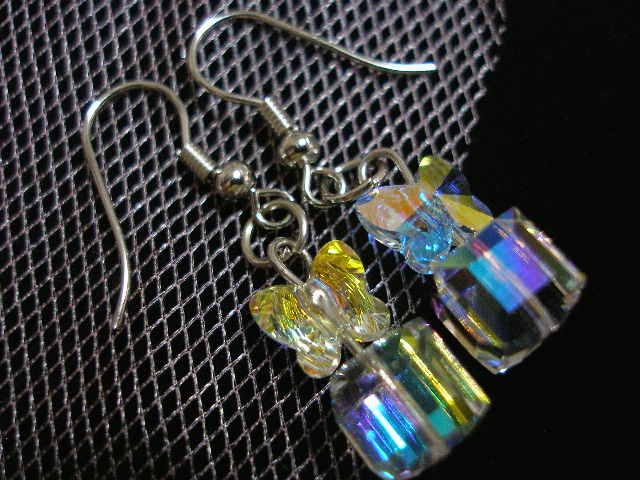 Swarovski Crytsal Ear Ring (MYR 40.00)