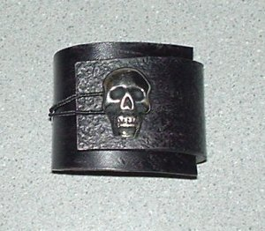 Leather Wristband with skull