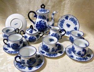 """Tea Set Blue and White """"Iron Stone"""""""