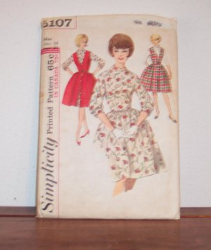 SIMPLICITY Vintage Juniors and Misses One Piece Dress & Jumper Pattern 5107 Miss Size 14 Bust 34