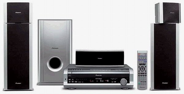 Pioneer HTD-540DV - 600 Watts Home Entertainment A/V System with Multi-Format 5-Disc DVD/DVD-Audio &